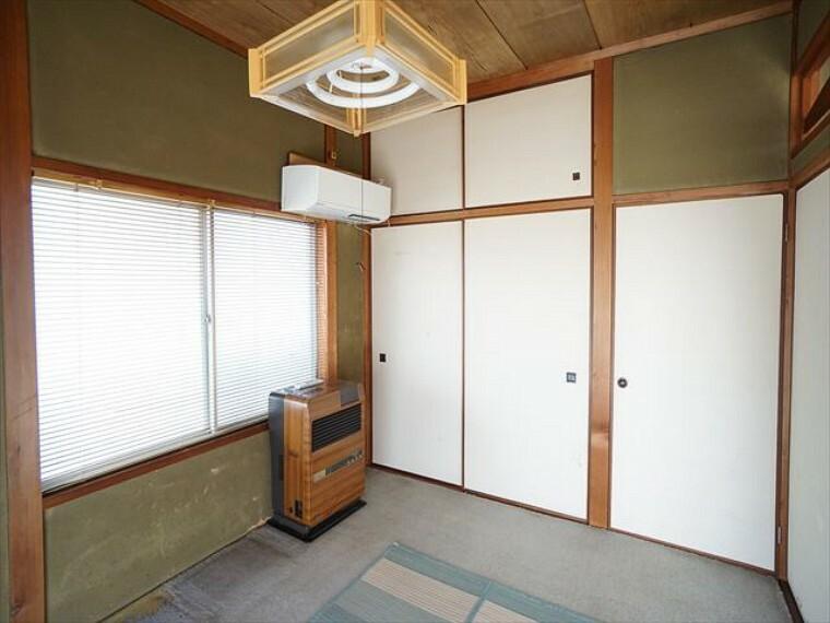 和室 6畳和室 押し入れ収納あり。