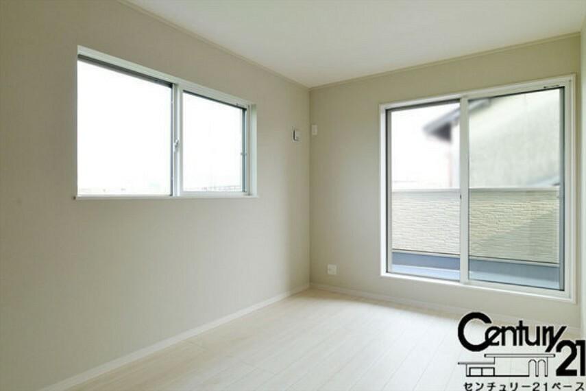 同仕様写真(内観) ■日当たりのよい明るい雰囲気の洋室です!■