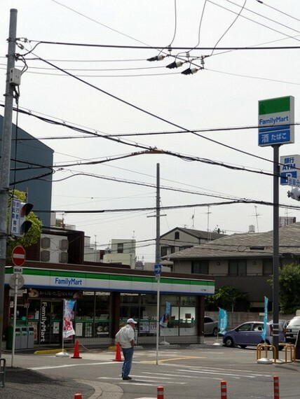 コンビニ ファミリーマート大正千島店