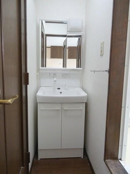 洗面化粧台 洗面所もゆとりがございます