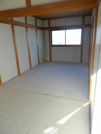 和室 広々使える和室です!