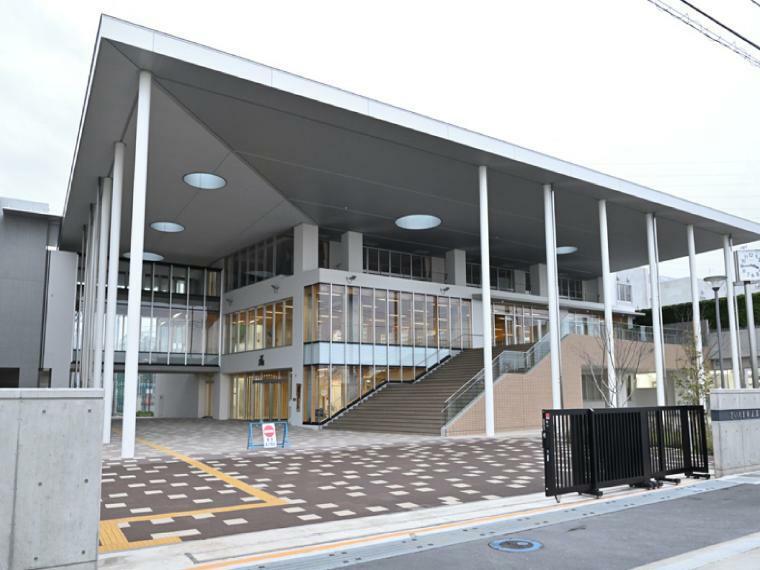 中学校 美園南中学校学区 新しい学校なので設備も校舎も綺麗な環境で勉強できます