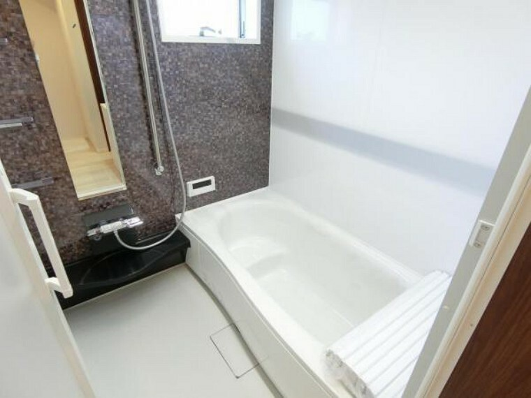 浴室 ゆったり1坪サイズの浴室。