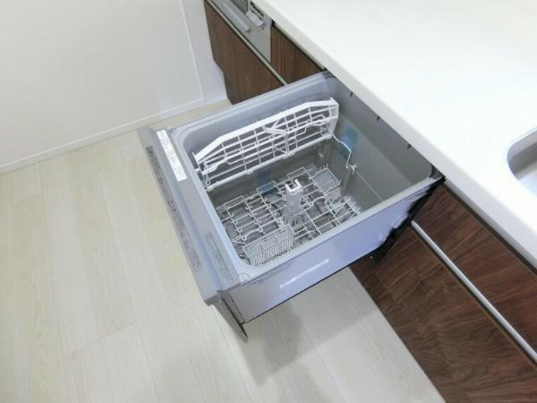 キッチン 食器洗い乾燥機つき。家事の時短が可能です。