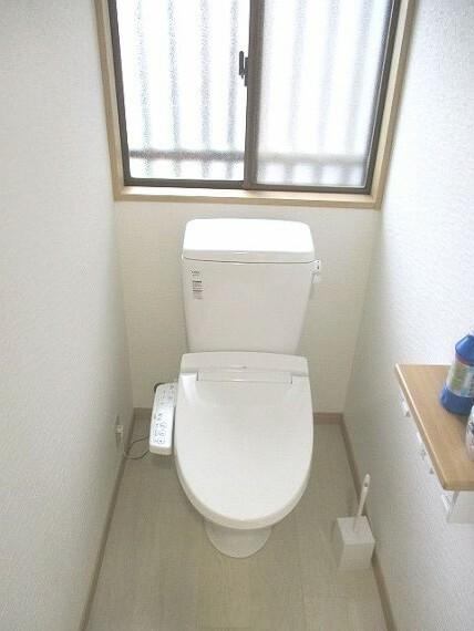 トイレ トイレに窓あり