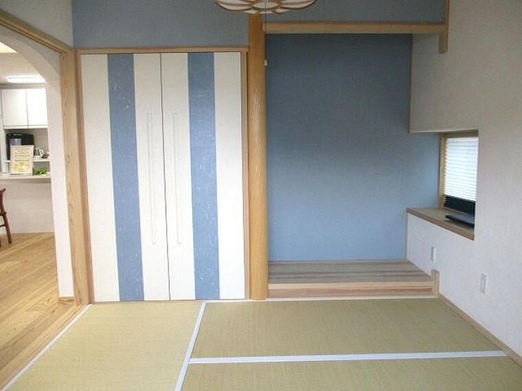 和室 1階 モダンでお洒落な和室 リビングとつながっています