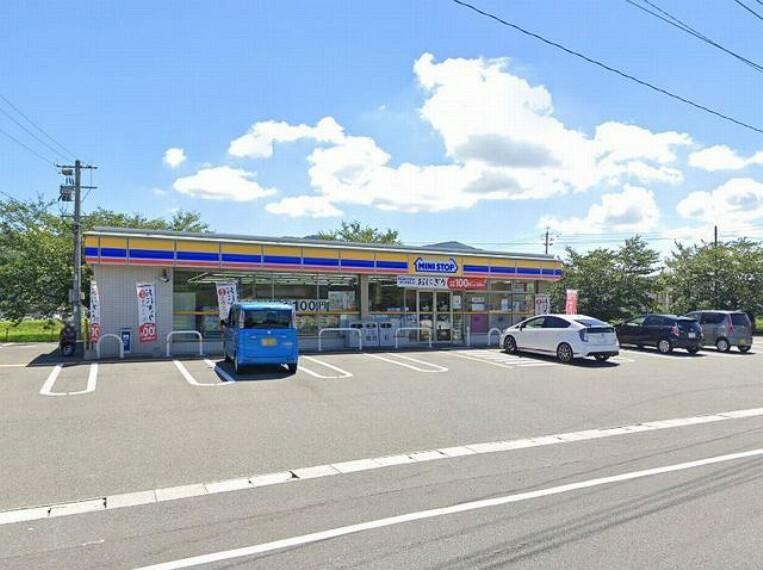 コンビニ 【コンビニエンスストア】ミニストップ 庄内有安店まで1243m