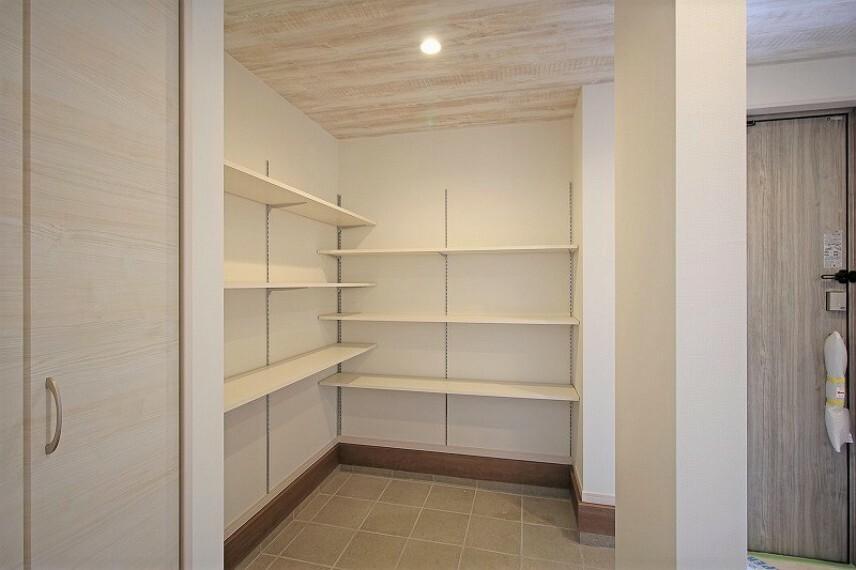 当社施工作品例 一級建築士による無料の間取り作成も承ります。 当社施工現場、ショールームもあり。お気軽にお問い合わせください。