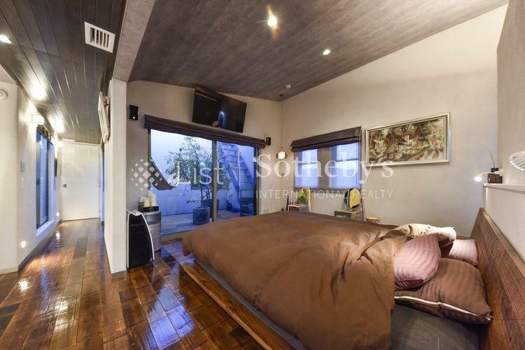 室内 3階の主寝室は約11.6帖あり閉そく感を感じさせない空間設計。