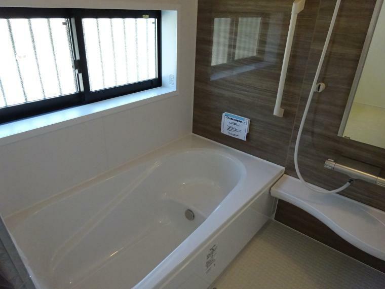 浴室 換気乾燥機能付きの浴室