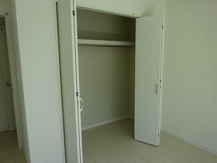 収納 各居室に収納があります