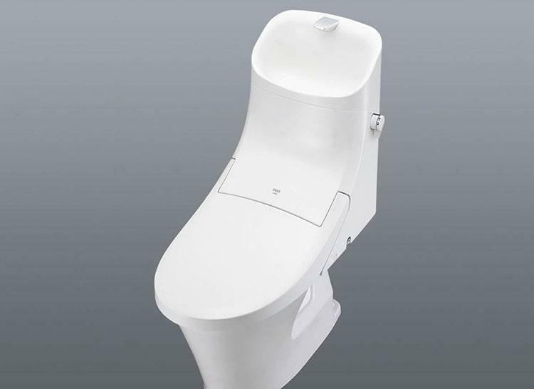 トイレ 手洗い付シャワートイレ  手洗い器を装備したスマートなデザインのシャワートイレ。快適機能が充実した使いやすいトイレです。(1階に採用)