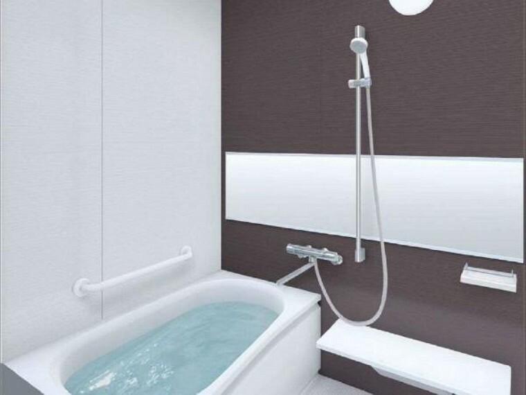 浴室 【同仕様写真】浴室はTOTO製の新品のユニットバスに交換します。浴室暖房付きです。足を伸ばせる0.75坪サイズの広々とした浴槽で、1日の疲れをゆっくり癒すことができますよ。床はほっからり床仕様で柔らかいクッション性があり小さなお子様がいる方も安心便利。
