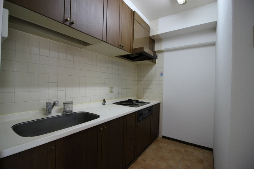居間・リビング 調理に集中できる独立型のキッチンです。
