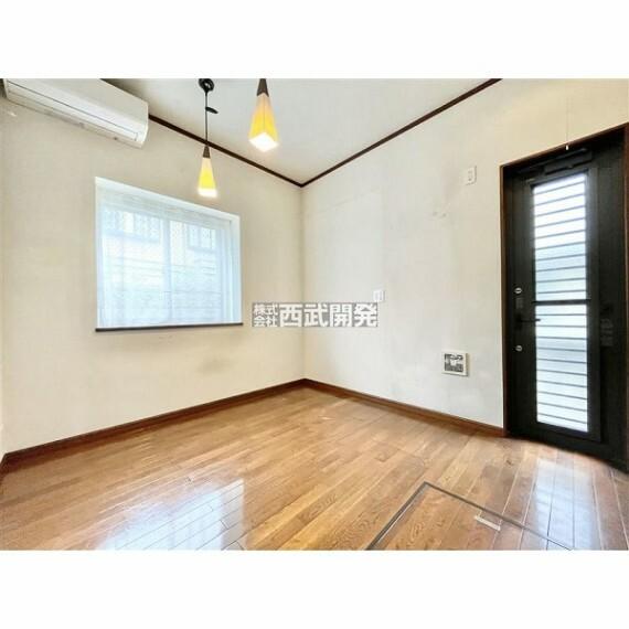 専用部・室内写真 ご家族みんなが集うダイニングキッチン。永住にふさわしい邸宅だからこそ、これからの生活のたくさんの喜怒哀楽をこの空間で。