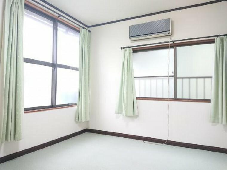 【リフォーム中】2階の7.5洋室の別アングル写真です。