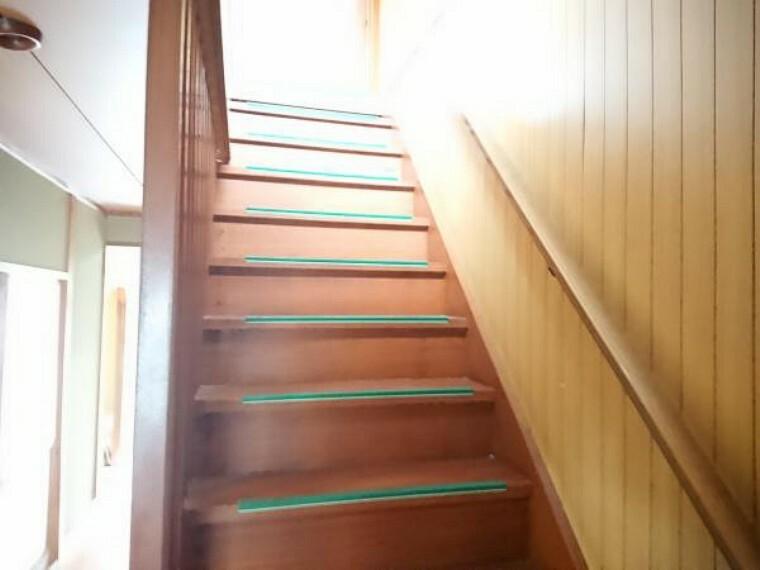 【リフォーム中】階段は安心安全を考えて手すりを新設します。