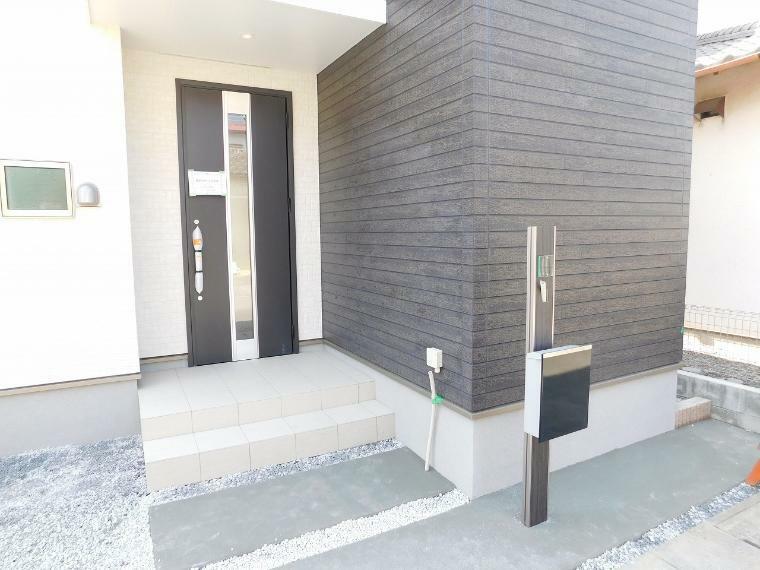 防犯設備 来客者を確認できるモニター付インターホン