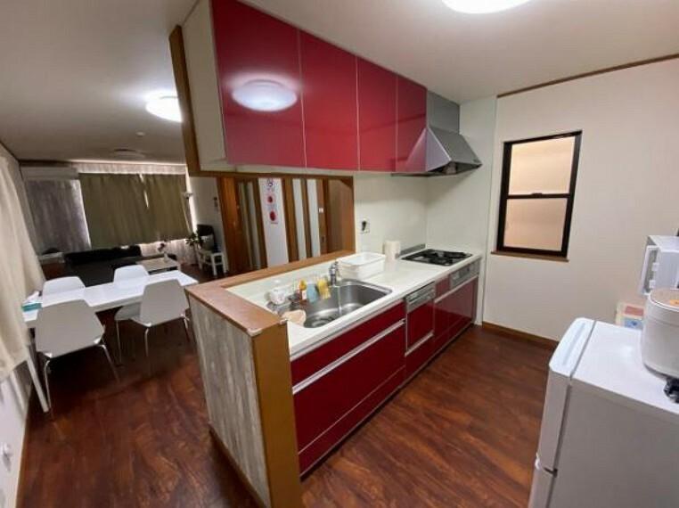 キッチン 使い勝手の良い食洗機付きシステムキッチン