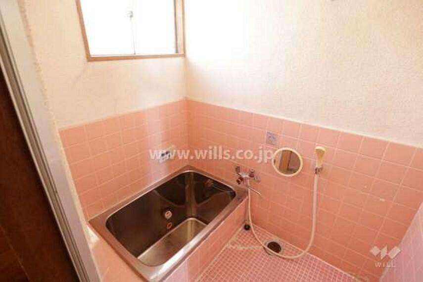 浴室 浴室。窓がついているので換気が楽々です。