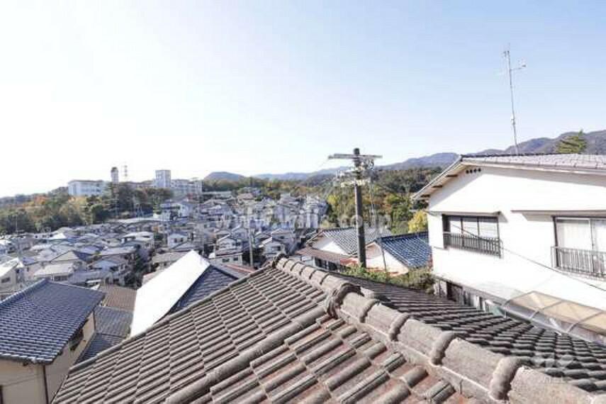 現況写真 2階洋室からの眺め(南方向)