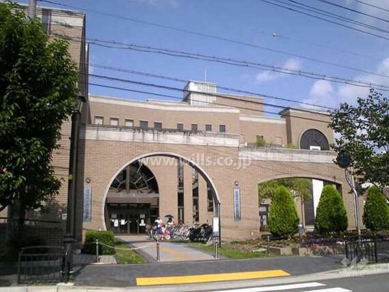 図書館 西図書館の外観