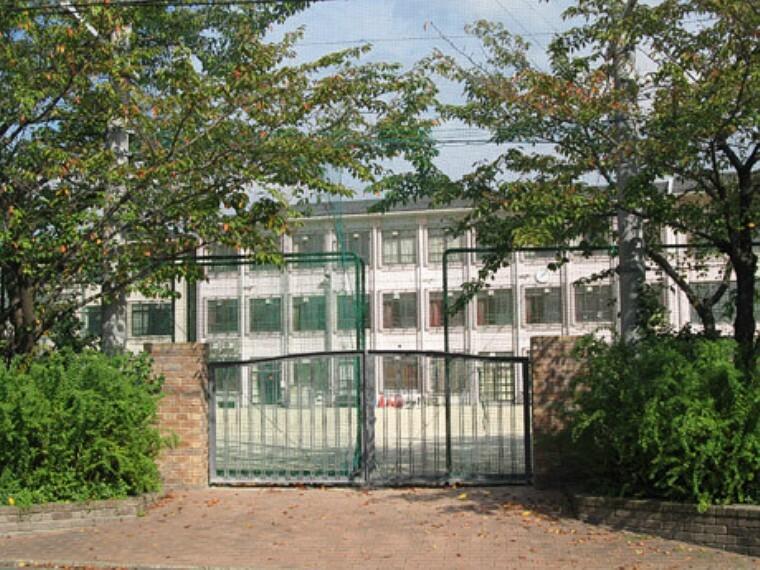 中学校 京都市立上京中学校