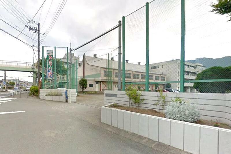 中学校 【相模原市立中野中学校】 こちらも現地から徒歩7分。自転車では3分で。