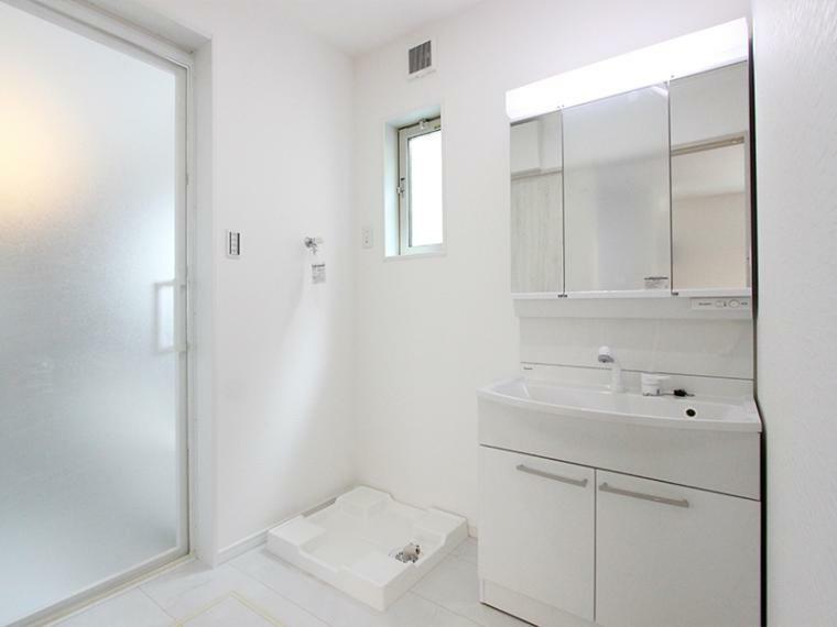 ランドリースペース 洗濯機の設置スペースも確保しています。