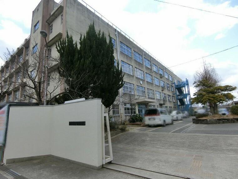 中学校 周辺 若江中学校徒歩約970m