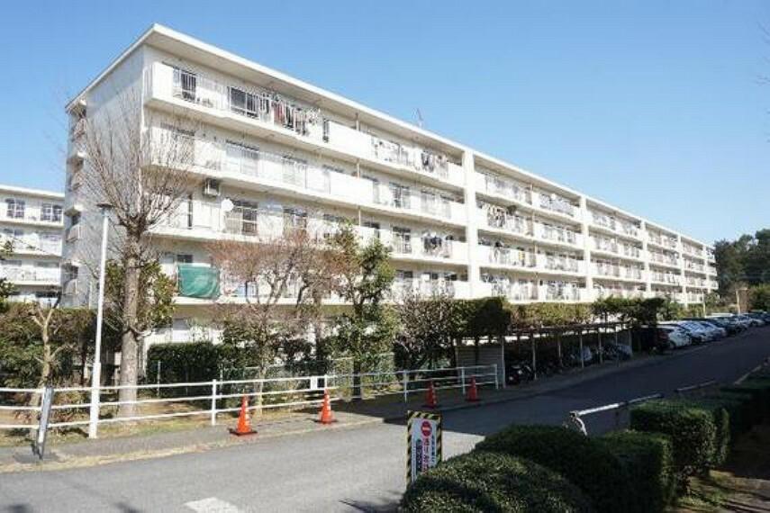 外観写真 サニーパークハイツ成田3号棟 外観です。