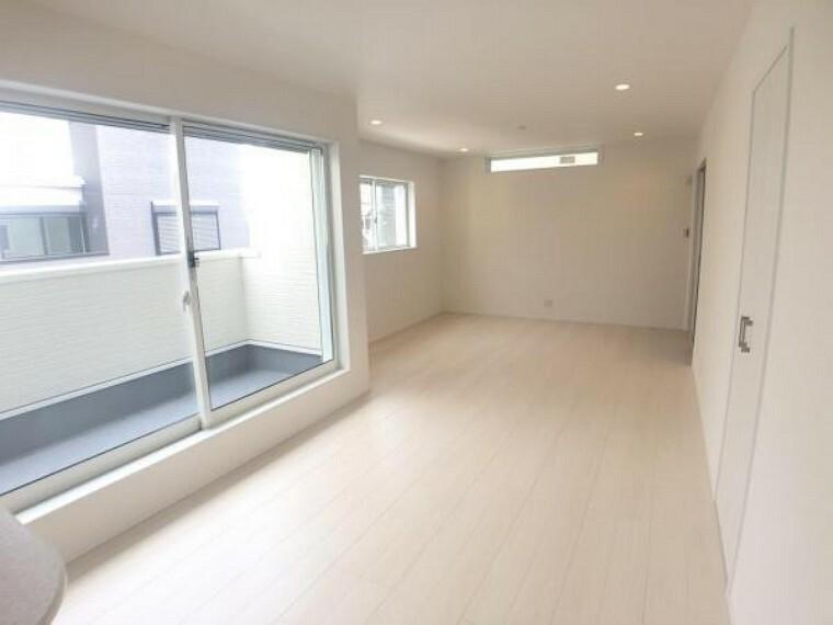 居間・リビング 2階に位置するリビング。プライベート性が高く、居心地の良い空間です