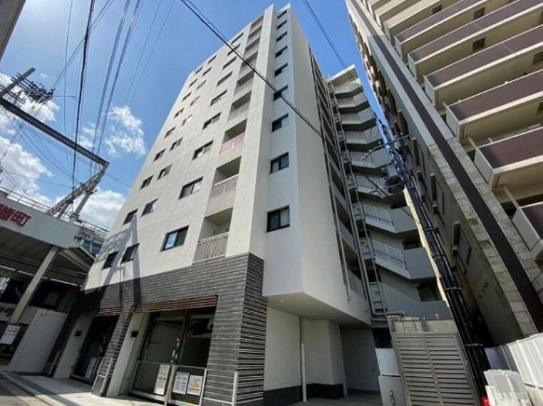 外観写真 10階建てのお部屋は最上階となります