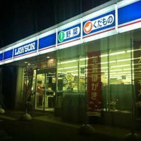 コンビニ 【コンビニエンスストア】ローソン さいたま宮原町一丁目店まで438m