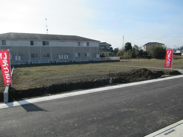 現況写真 整然とした、全12区画の開発分譲地です。