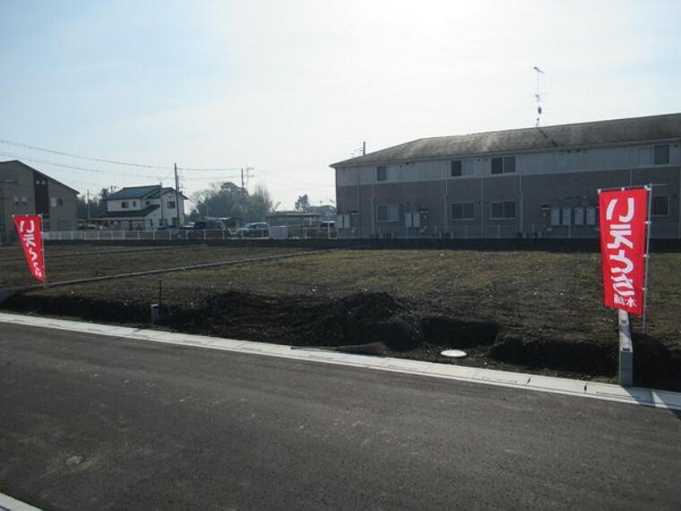 現況写真 6号地、土地約91坪、南東北の3方角地です。