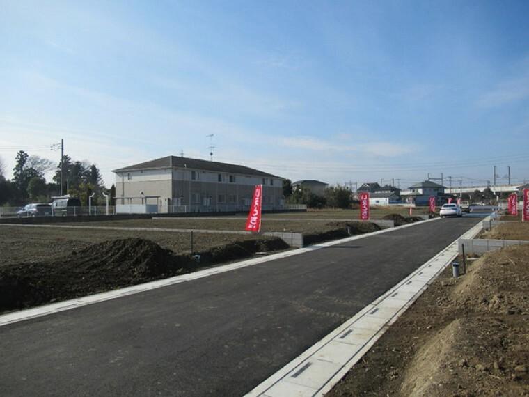外観・現況 北側幅員5m開発道路、東側より撮影