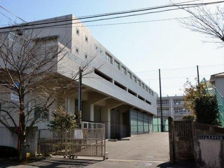 中学校 横浜市立岩崎中学校