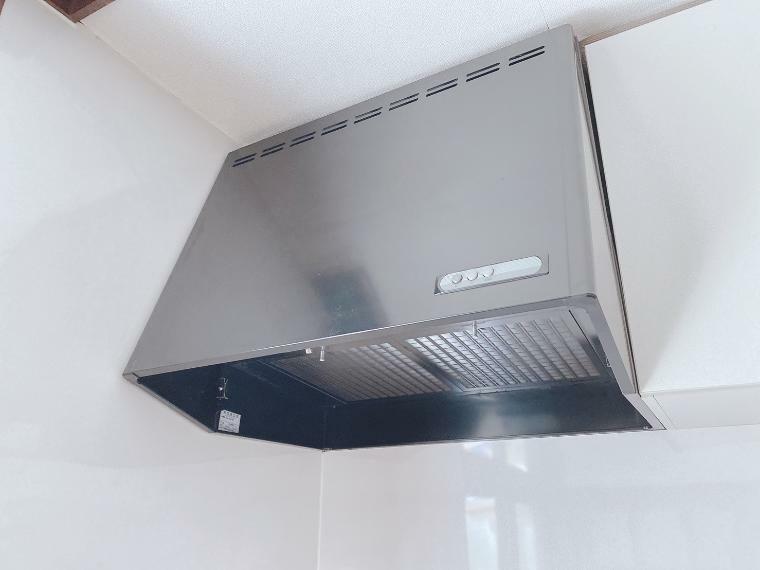 キッチン 換気扇です。