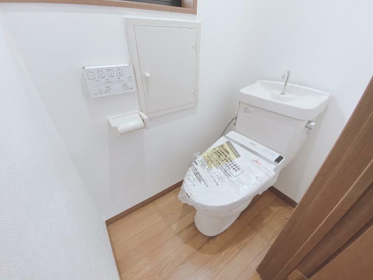 トイレ トイレも新規交換済みです。清潔な空間広がります。