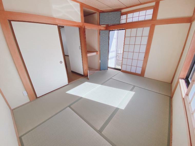 和室 一室はあると嬉しい和室。客間としても大活躍です