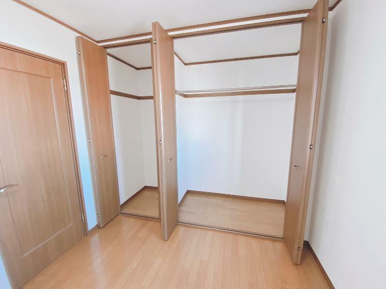 収納 ダブルクローゼットです。お部屋の使い勝手がとても良くなります