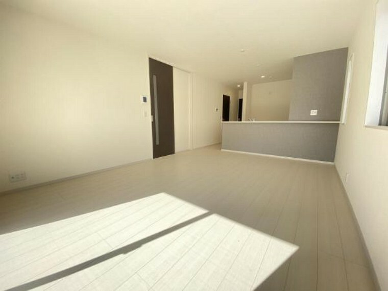 居間・リビング 建物完成済・即入居可。内覧可能