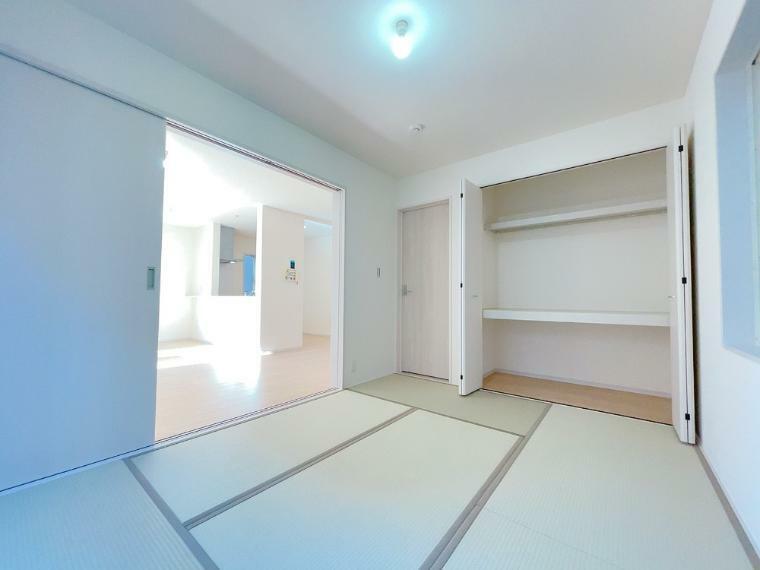 和室 和室収納豊富です。