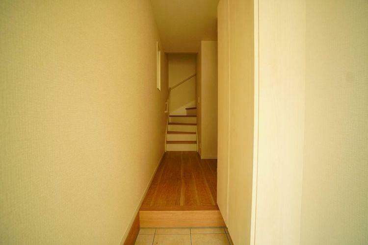 玄関 「いってきます!」と「おかえり!」が響き合う玄関はご家族を明るい気持ちにさせてくれる空間です!