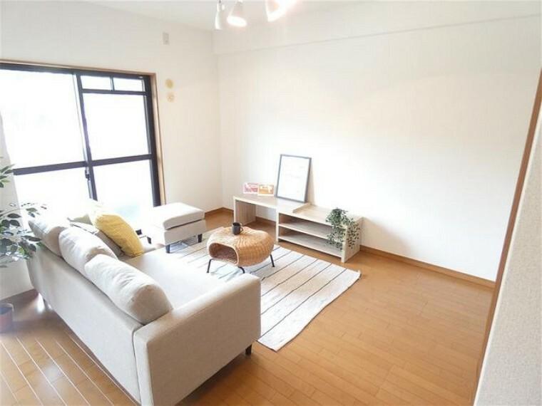 居間・リビング リビングには、新品の家具付きです