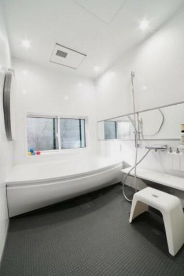 浴室 1820サイズの広々としたお風呂!家族みんなでゆっくりくつろげます