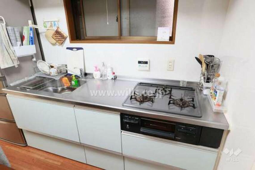 キッチン キッチン。2014年3月にリフォーム済のため、大変綺麗にお使いです。