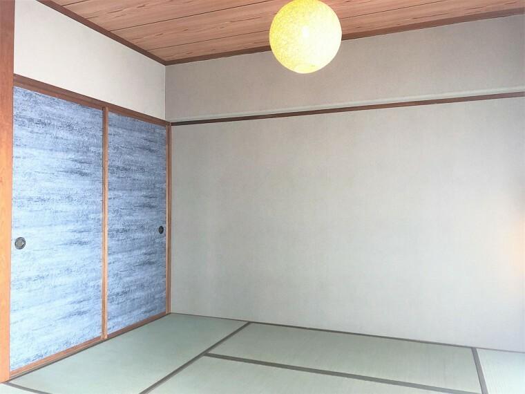 和室 お部屋が一体になる便利なタタミコーナー!ちょっと横になったり、ごろ寝したりできるスペースです