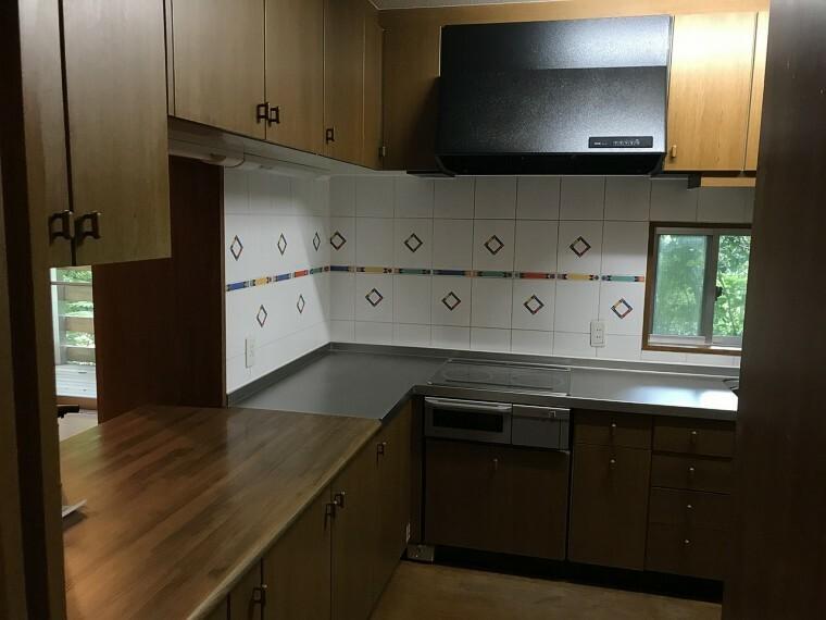 キッチン 収納力が魅力のキッチン